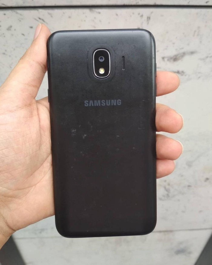 İşlənmiş Samsung Galaxy J4 2018 16 GB qara. Photo 1