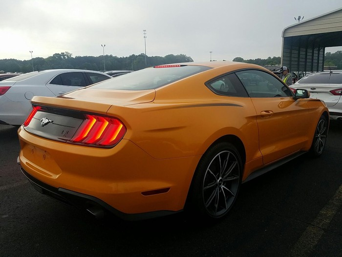 Ford Mustang 2018. Photo 1