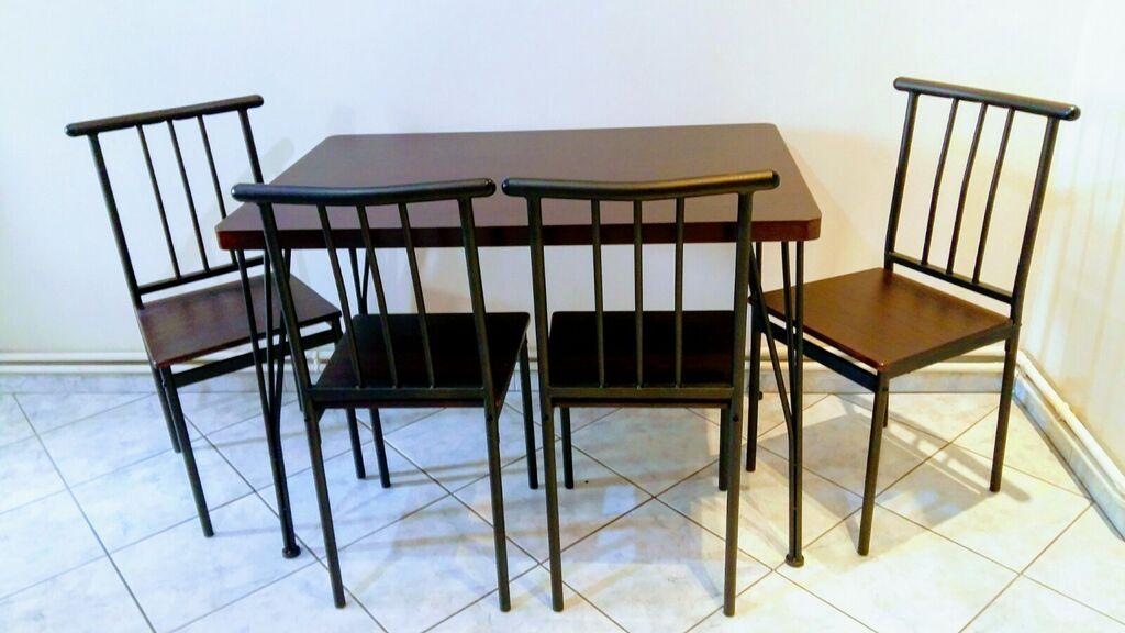 Τραπέζι με Καρέκλες σχεδόν αμεταχειρειστο