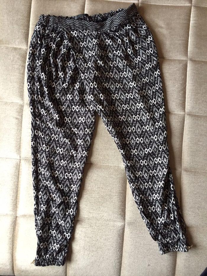 Zara pantalone neobicnog kroja, kao nove - Nis