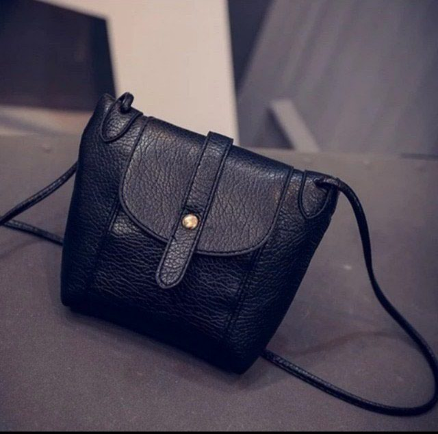 9093305c7e11 Женская маленькая сумочка новая за 300 KGS в Бишкеке: Сумки на lalafo.kg