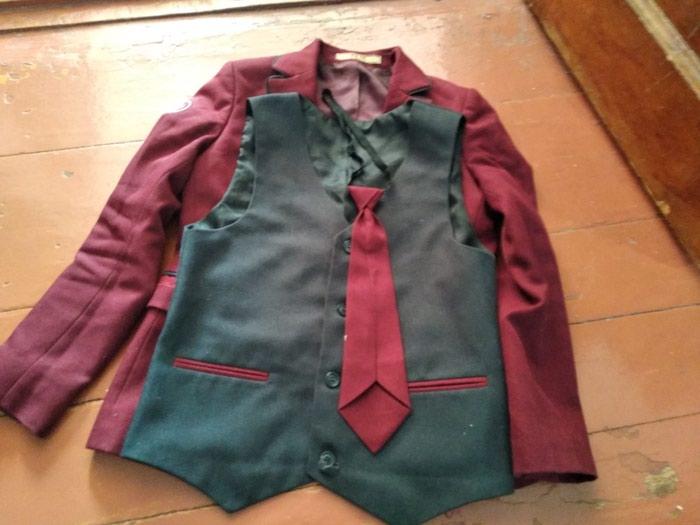 Продажа Пиджак школьный для мальчика 3 классника за 350 KGS в ... ed1db9c0367