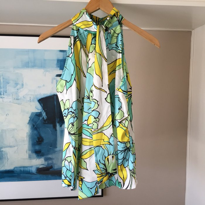 Zara σατέν αμάνικη floral πουκαμίσα με ψηλή. Photo 2
