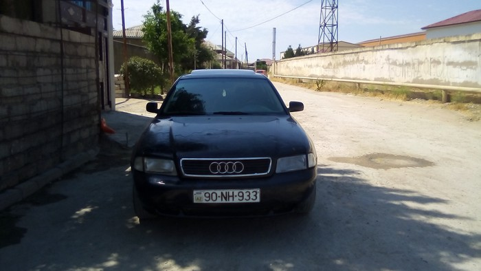 Audi A4 1997. Photo 0