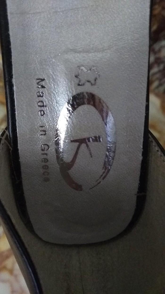 34d34a217e2 Καινούργια γυναικεία υποδήματα for 15 EUR in Αιγάλεω: Γυναικεία είδη  Υπόδησης on lalafo.gr