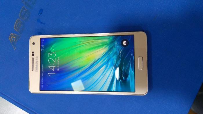 İşlənmiş Samsung A500 16 GB sarı. Photo 2