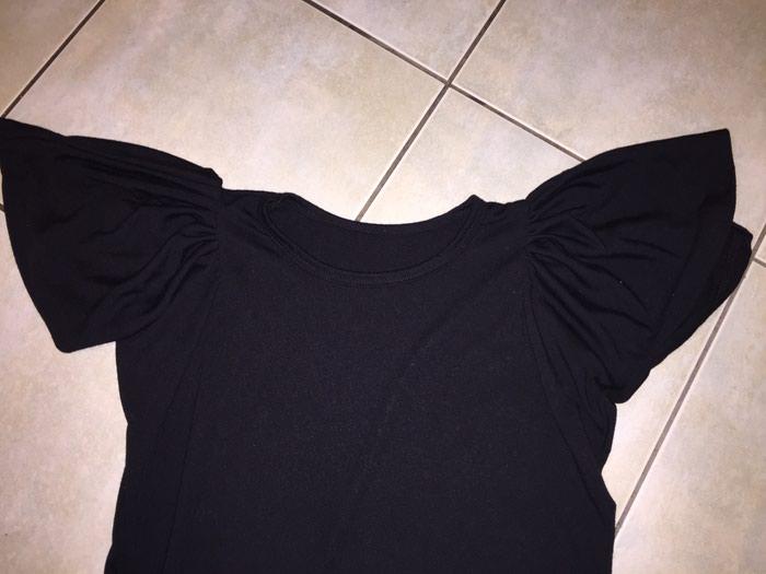 Μαύρο βαμβακερό Τ-shirt με ιδιαιτερο μανικι . Νο med. Οκοκαίνουργιο. Photo 1