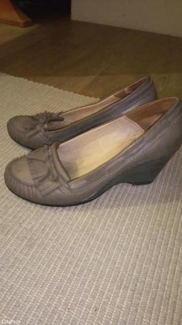 Kozne cipele, sive, koza u extra stanju, 38, puna peta - Novi Sad