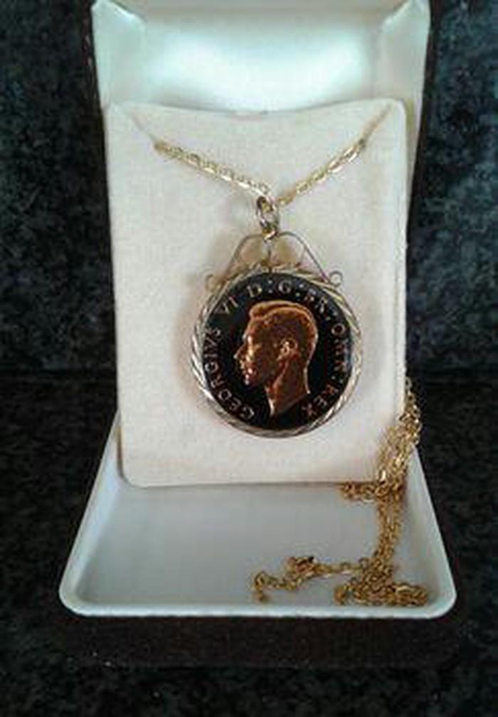 Χρυσο μενταγιον νομισμα. Photo 1
