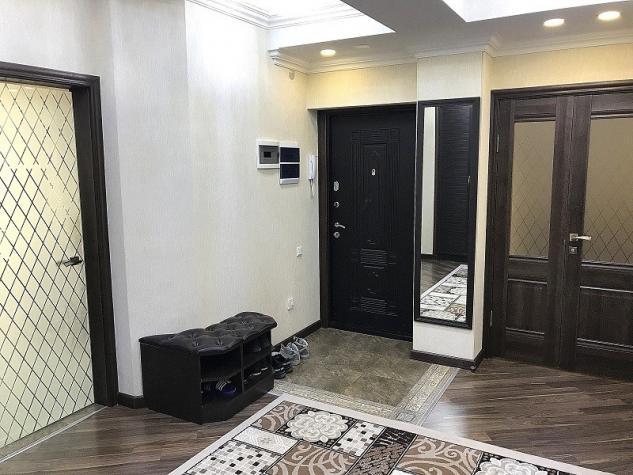 Продается квартира: 4 комнаты, 140 кв. м., Бишкек. Photo 8