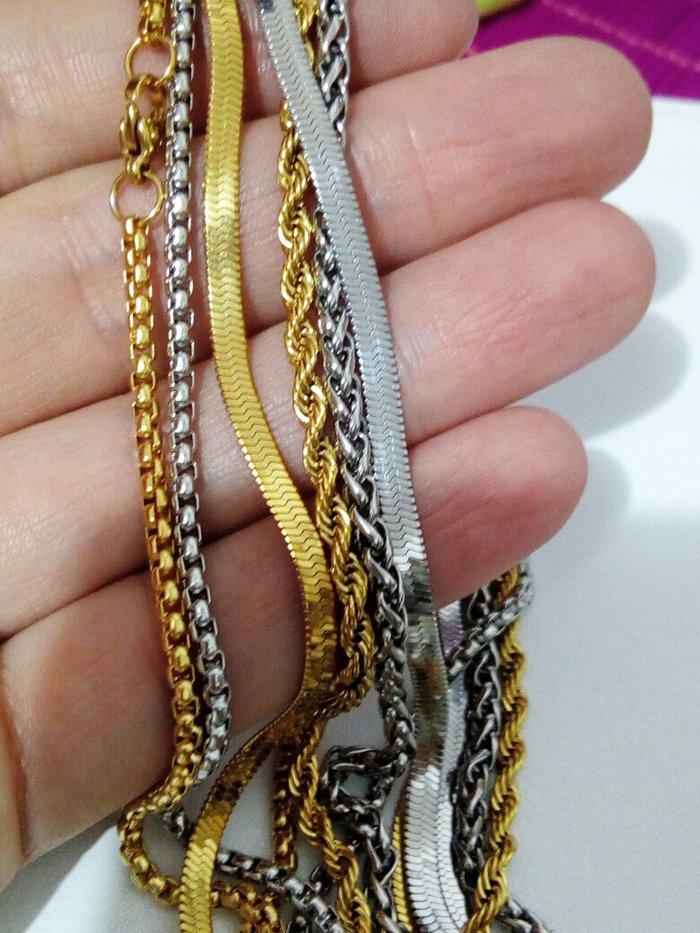 Elegantne ogrlice od hirurskog celika u boji srebra i sa pozlatom - Zrenjanin