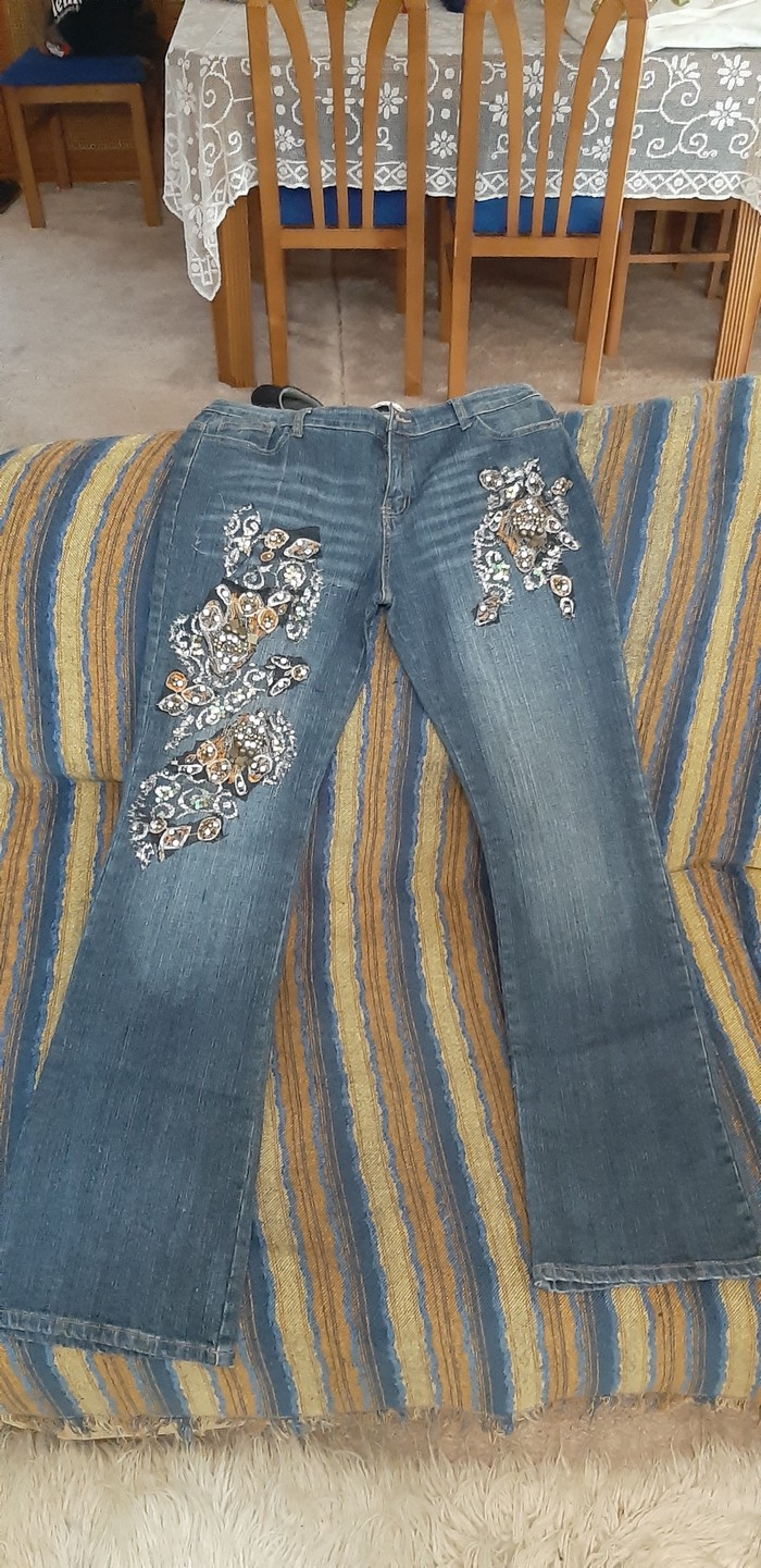 Παντελονι τζιν με κεντιμα και στρας size:xl σε Γλυφάδα