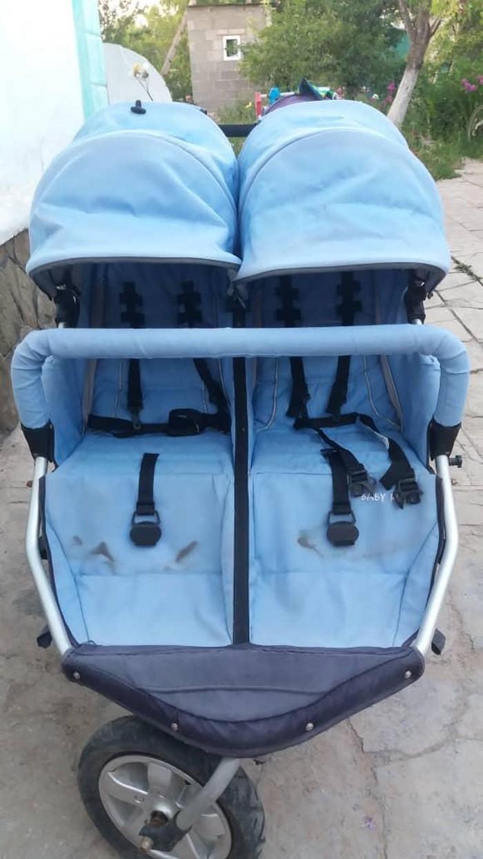 Продаю коляску для двойняшек, состояние отличное. покупала за 15000с . Photo 1