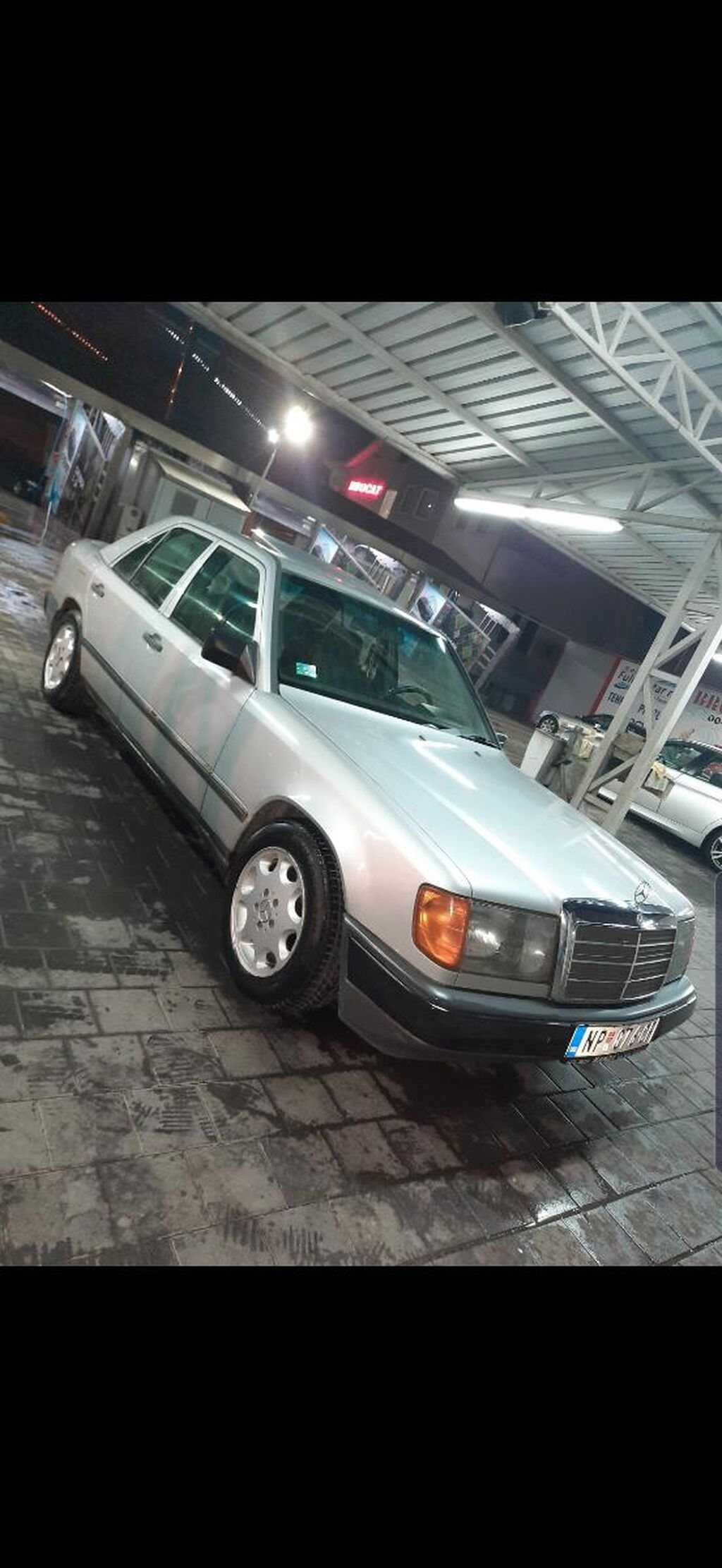 Mercedes-Benz E 200 1986 | 250000 km