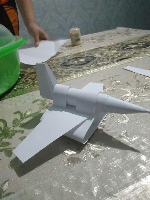 Отдам даром игрушечный самолет!!!