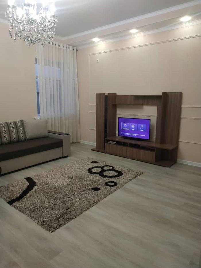 Продается квартира: 2 комнаты, 68 кв. м., Бишкек. Photo 0