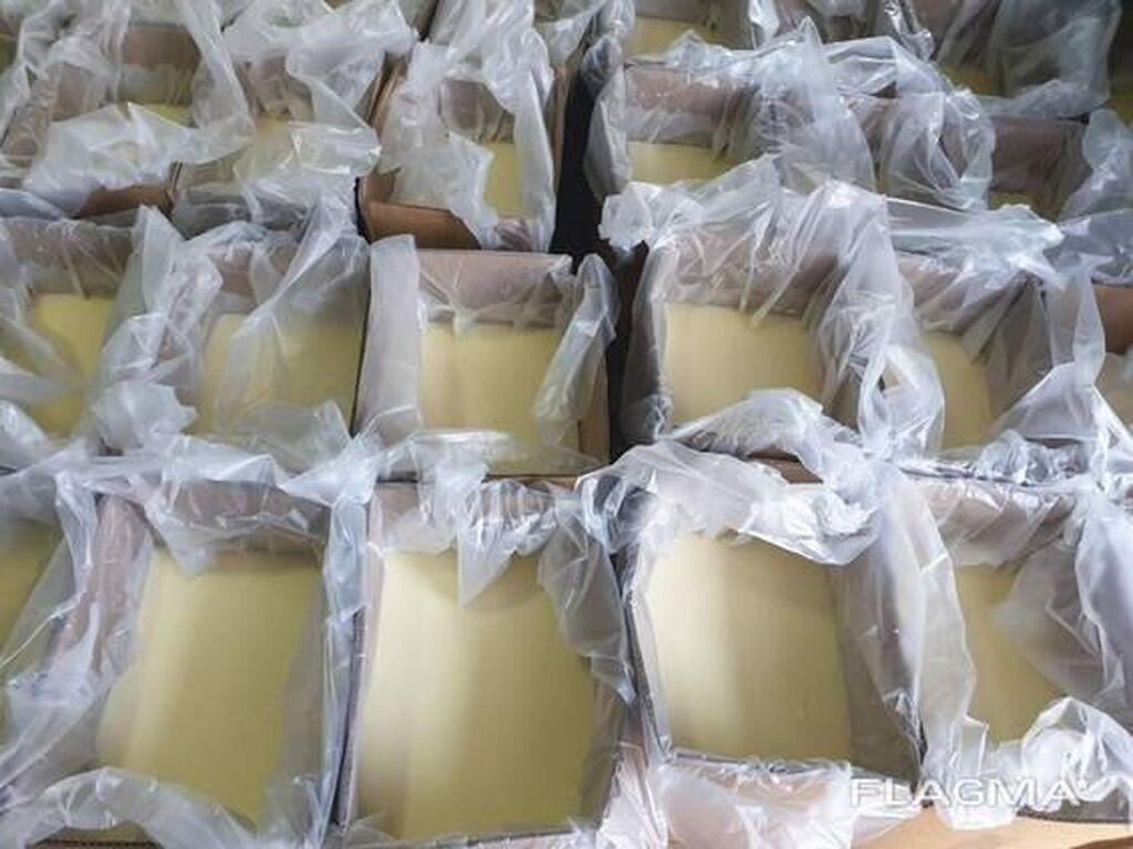 Продаю топленный животный жир в гофкоробках, по 20 кг цена 65 сомов( торг уместен)