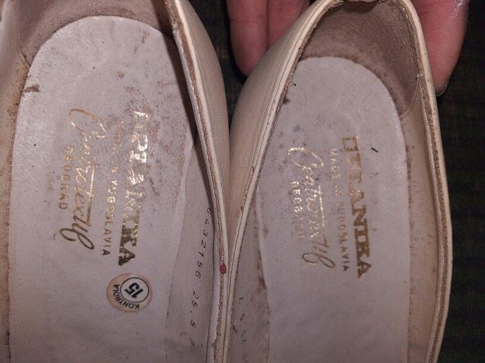 Женские туфли белые 3 ман а чёрные 2 ман. Photo 3