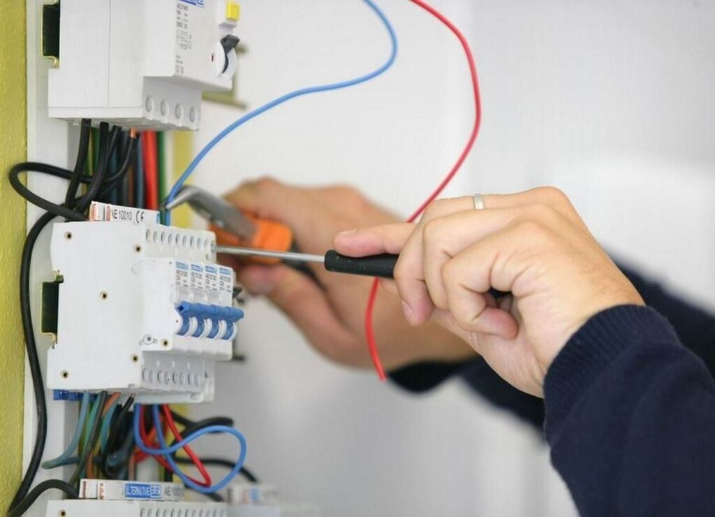 Электрик | Установка счетчиков, Монтаж видеонаблюдения, Монтаж выключателей | Больше 6 лет опыта: Электрик | Установка счетчиков, Монтаж видеонаблюдения, Монтаж выключателей | Больше 6 лет опыта