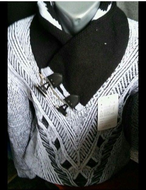Muški novi džemperi