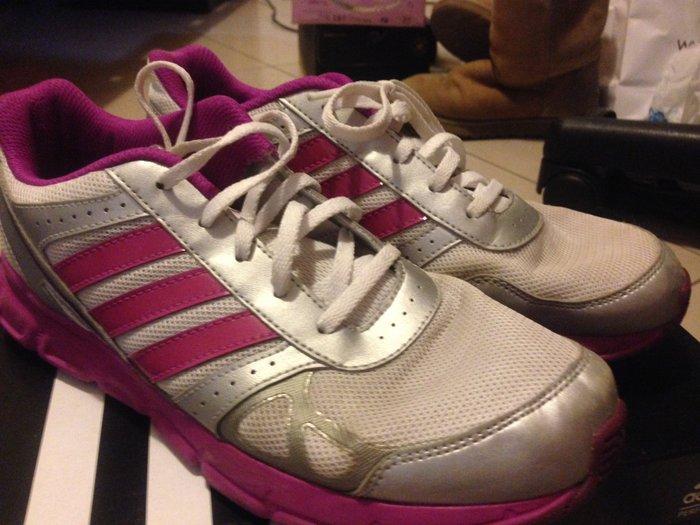 Adidas αθλητικά παπούτσια. Νούμερο : 38 σε Βόρεια & Ανατολικά Προάστια