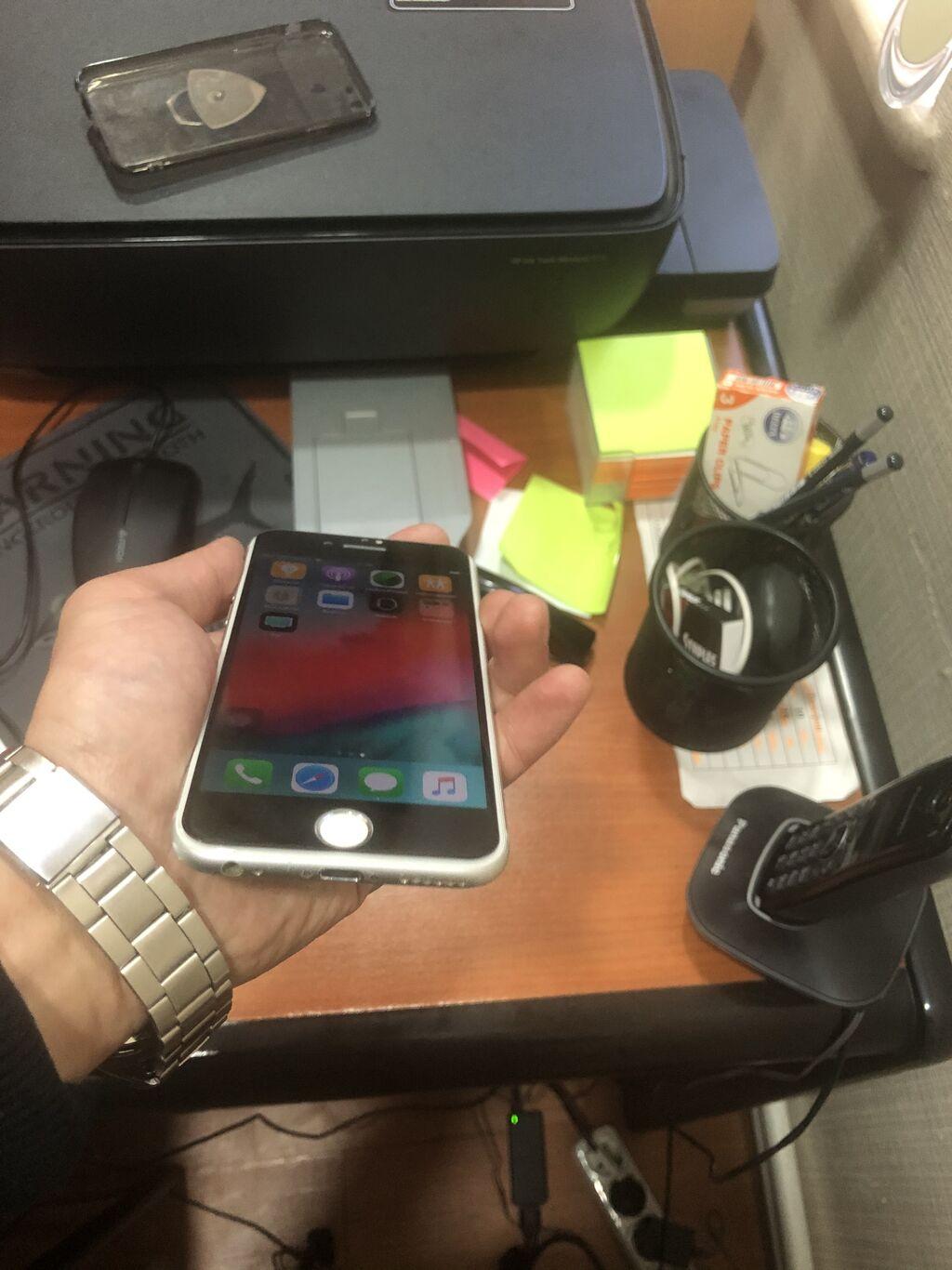Iphone 6s , her weyi super iwdiyir , birdene sag sol pnopkalar iwdemir onunda xerci 20 manatdi maksimum , qalan her weyi nornaldi , adabdiri , karopkasi yoxdu,  yaddawi 64 gb
