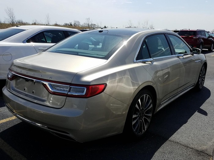 Lincoln Continental 2017. Photo 1