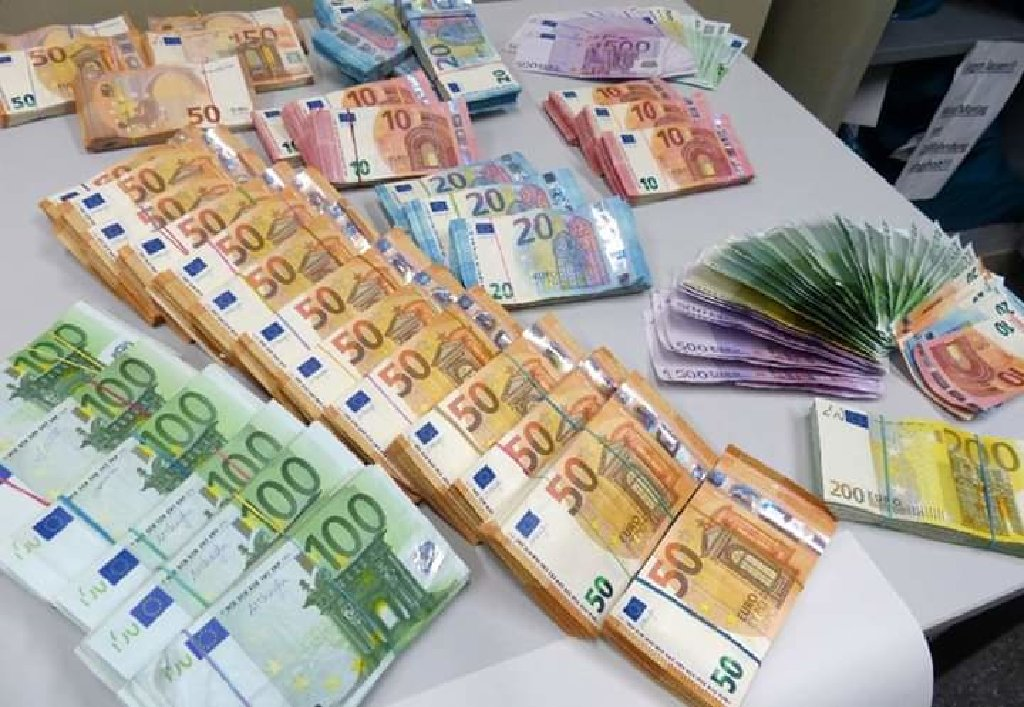 Imam kapital koji će se koristiti za odobravanje određenih kratkoročnih i dugoročnih zajmova u rasponu od 2000 € do 5