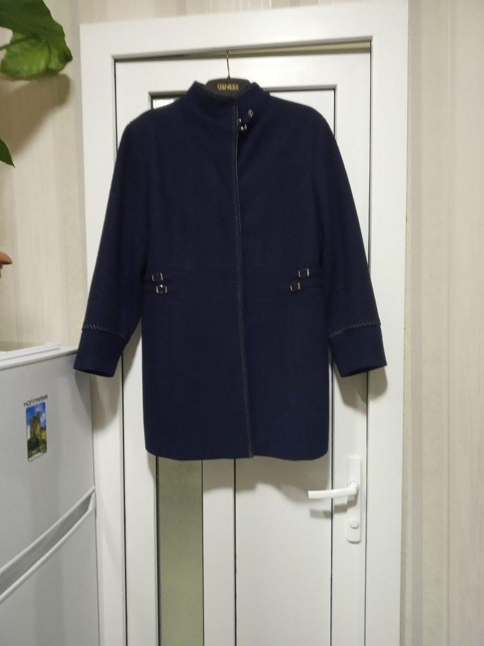 Demisizoniy palti astarli tund göy renq 46-48 razmer firmadi. Photo 0