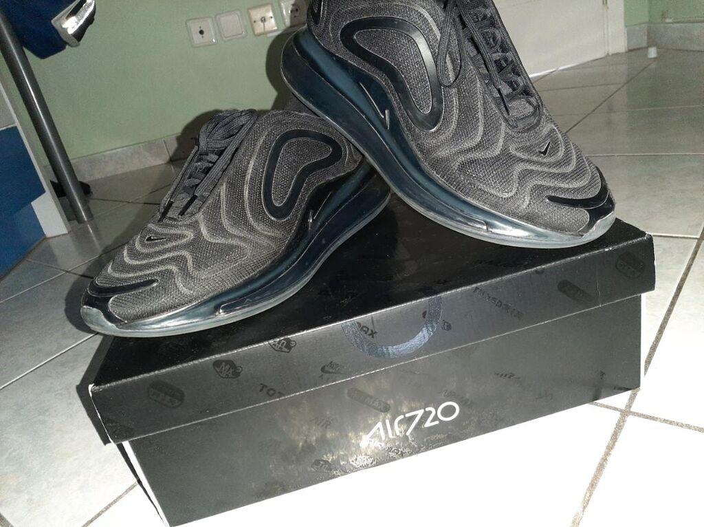 Καλησπέρα Πωλείται το συγκεκριμένο παπούτσι air max 720 είναι σε άριστη κατάσταση