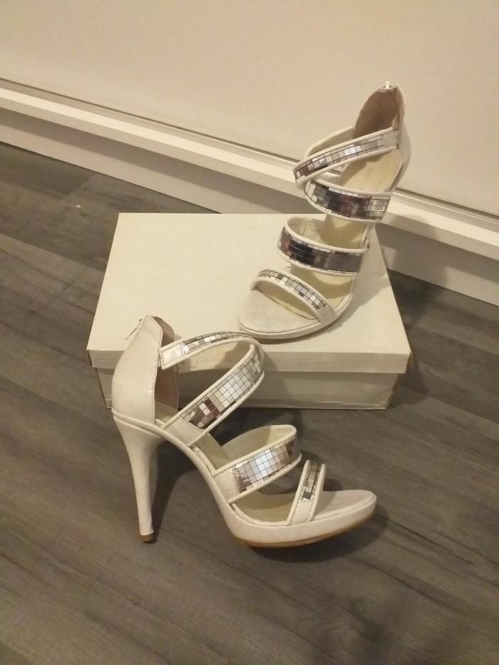 Jednom obuvena sandala elegantna, broj 38 - Beograd