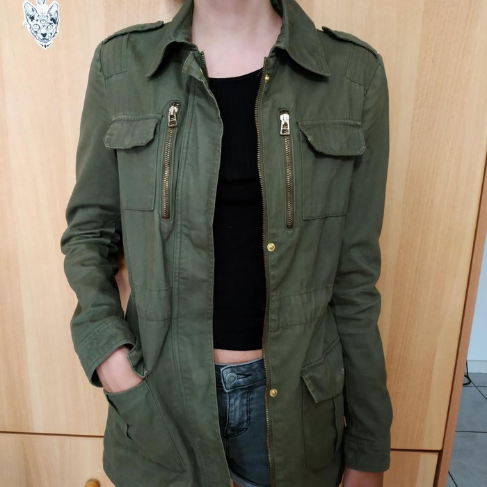 Womans jacket army green colour size small Stradivarius