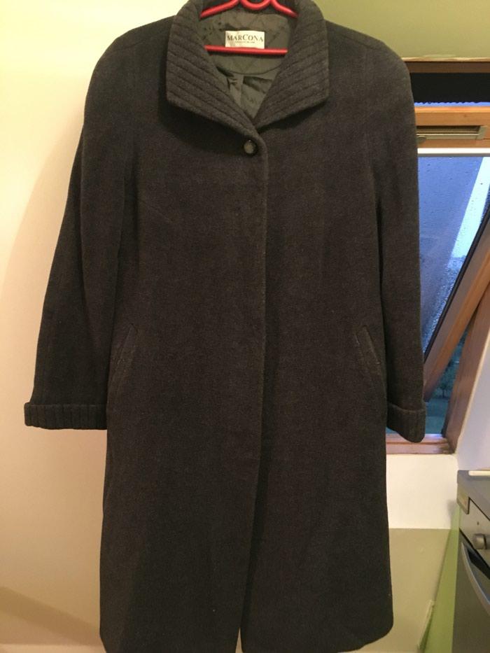 Zenski kaput,cista vuna plus angora vuna. Topao i lepo ocuvan