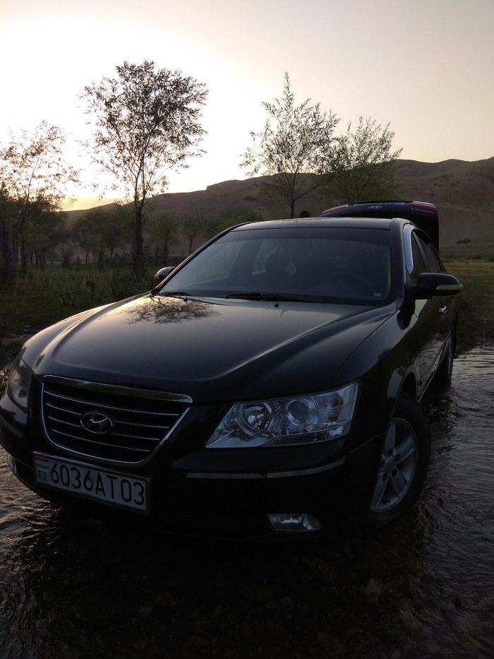 Hyundai Sonata 2011. Photo 2