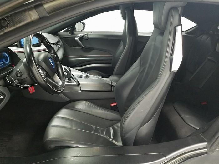 BMW i8 . Photo 3