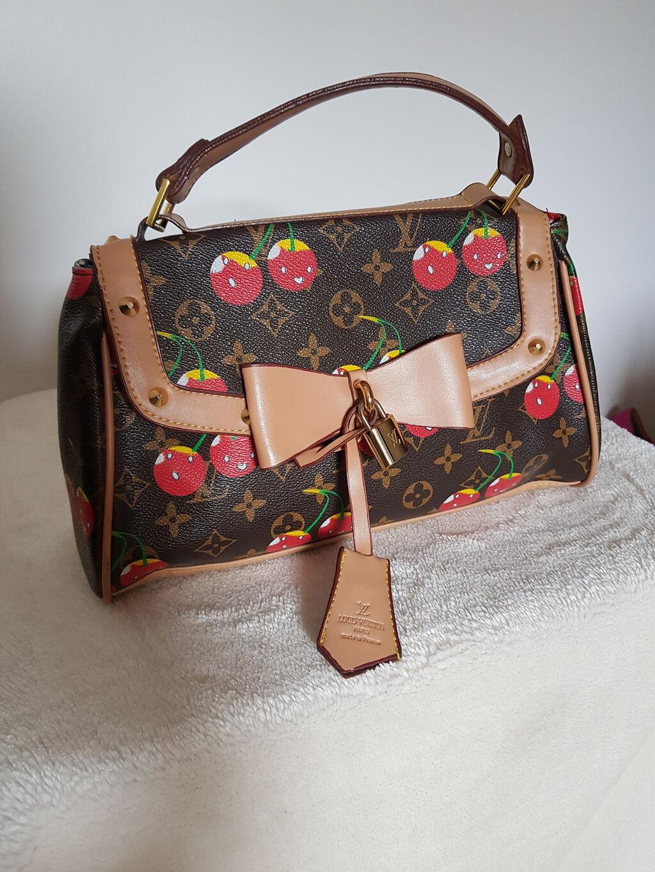 Tašne - Beograd: Louis Vuitton torba. A klasa