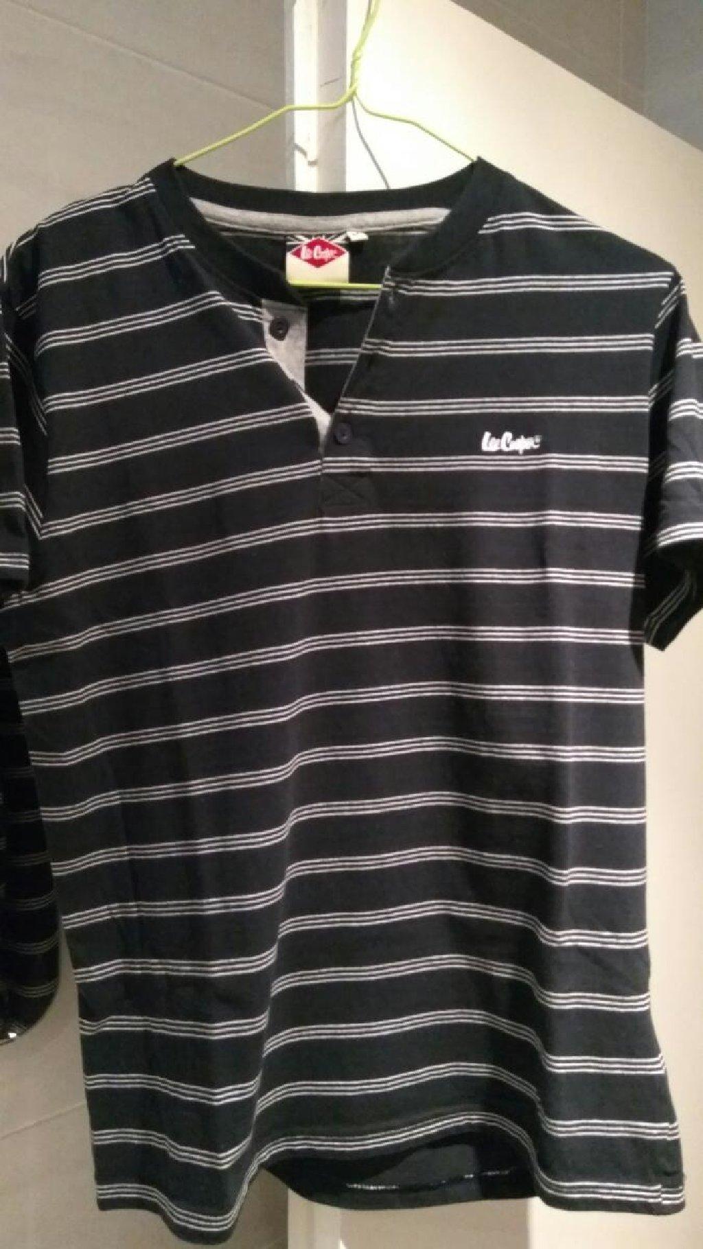 2 κοντομανικα μπλουζακια, Lee cooper και puma αυθεντικά καθόλου φορεμένα λόγω λάθος νούμερου δίνονται 15ευρω και τα δύο ή 10ευρω το καθένα