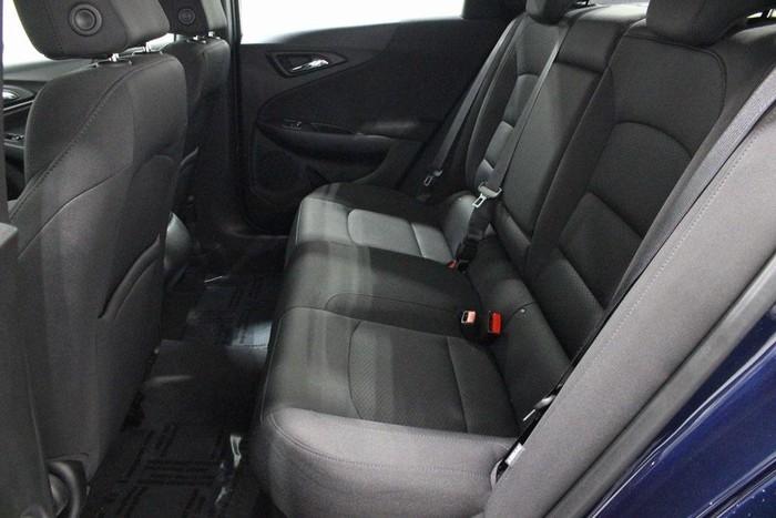 Chevrolet Malibu 2018. Photo 8