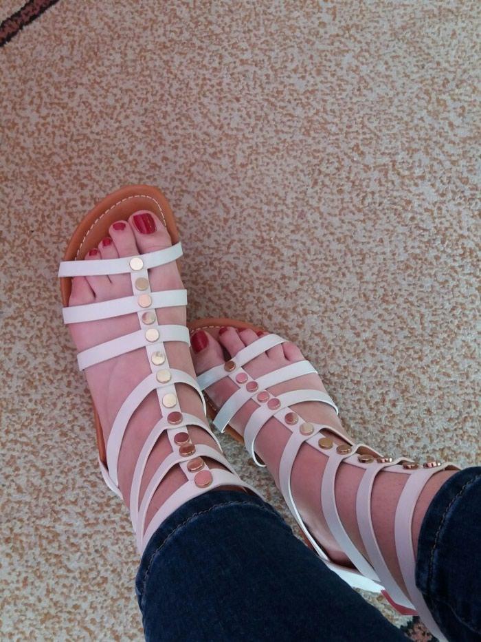 Sandale (nove, nenošene- ne odgovara broj). Photo 0