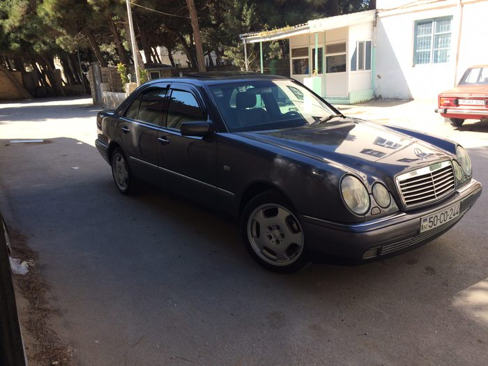 Mercedes-Benz 240 1997. Photo 5