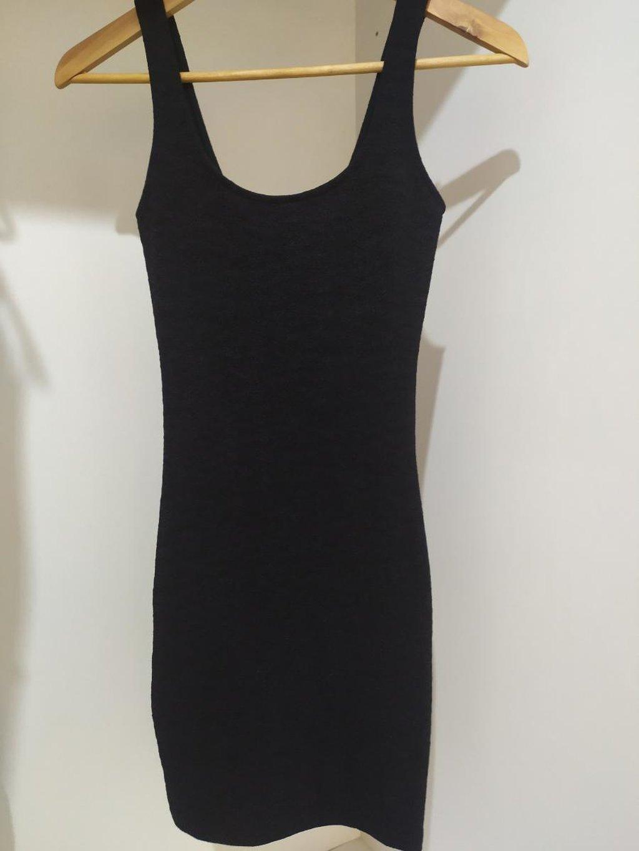Basic φόρεμα bershka