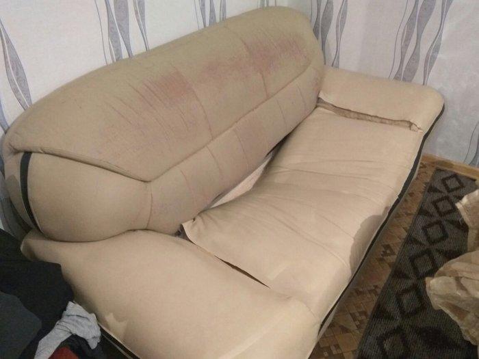 Продаю бу диван + кресло, дёшево, требуется ремонт, недорого в Лебединовка