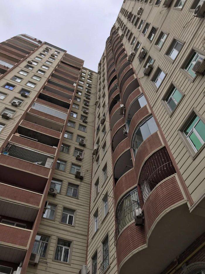 Mənzil satılır: 3 otaqlı, 111 kv. m., Bakı. Photo 4