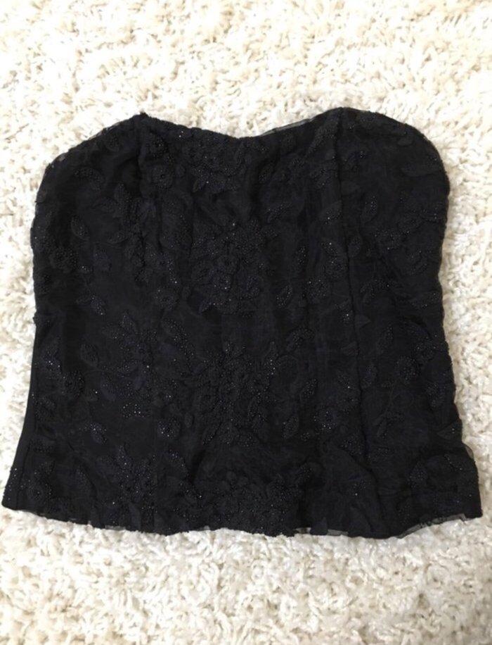 Crni kratki korset sa sitnim sljokicama. Photo 0