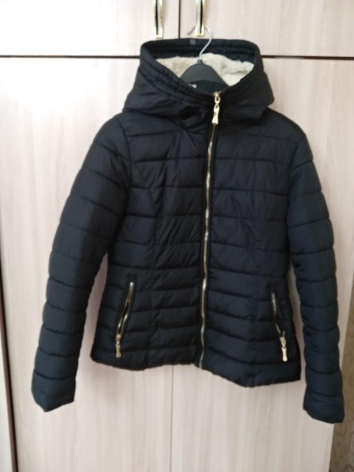 Продажа Продаю женскую демисезонную курточку за 400 KGS в Бишкеке ... 769a41e5f01f2