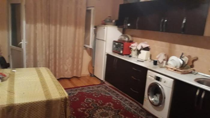 Mənzil satılır: 2 otaqlı, 71 kv. m., Bakı. Photo 2