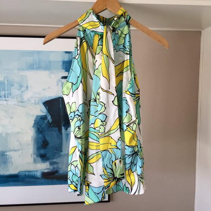 Zara σατέν αμάνικη floral πουκαμίσα με ψηλή. Photo 1