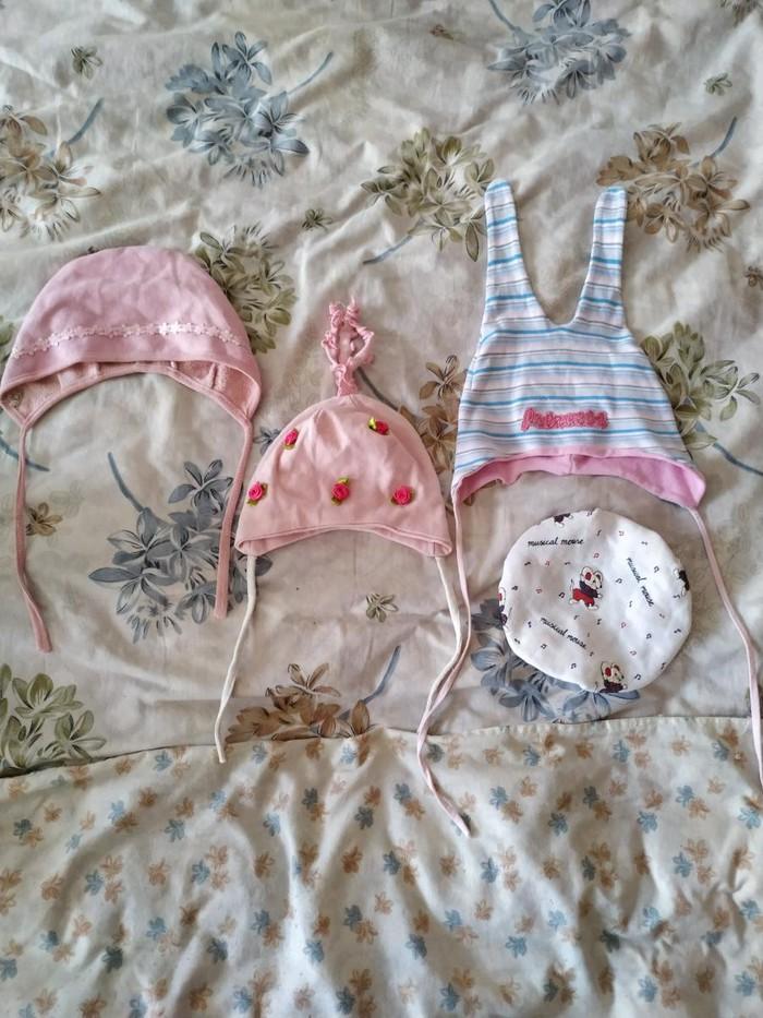 Продаю детские вещи Б/у в хорошем состоянии .4 шапочки . Цена 60 сом.. Photo 0