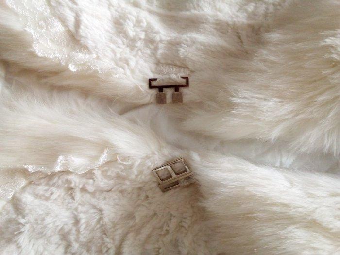 Λευκο γουνακι μεσατο. Photo 2