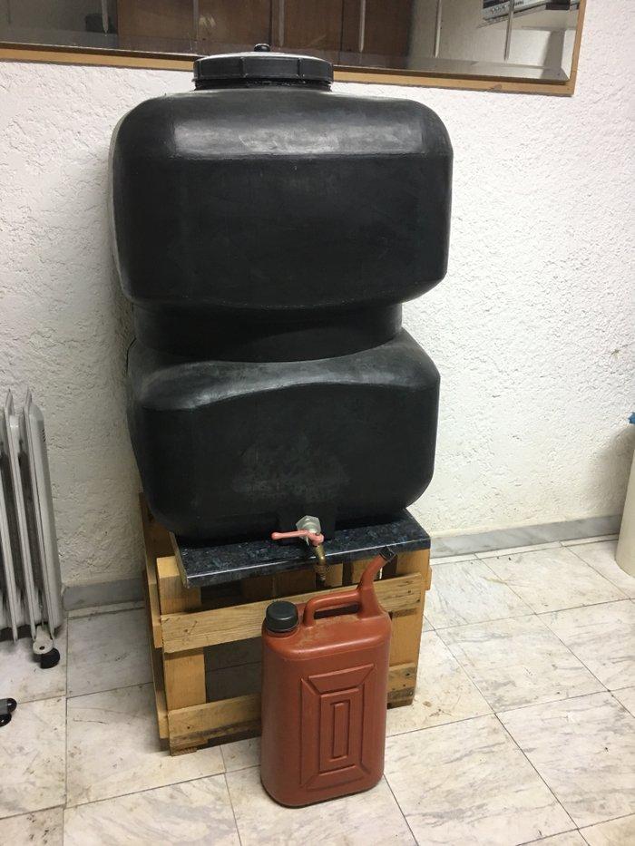 Σομπα πετρελαιου ελαχιστα χρησιμοποιημενη και ΔΩΡΟ ντεποζιτο 120 λτ. . Photo 3